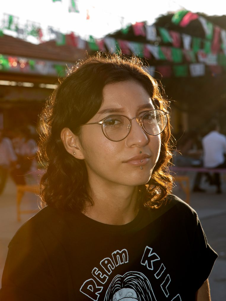 Samantha Maldonado (22), student psychologie, is wat ze in Latijns-Amerika acompañante noemen – een vrouw die bij gebrek aan legale klinieken andere vrouwen helpt zo veilig mogelijk zelf een abortus uit te voeren. Beeld Chantal Heijnen