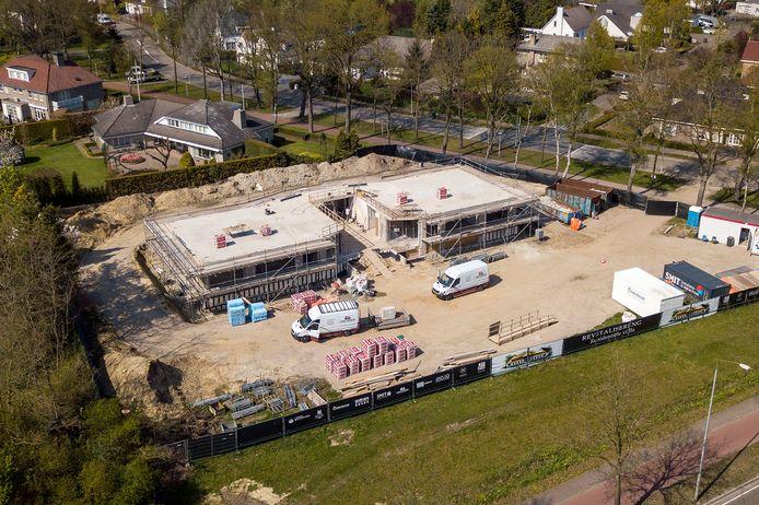 De oude villa van Johan Vlemmix wordt verbouwd.