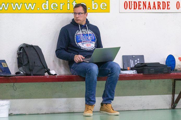 Naast het trainerschap van Saturnus Michelbeke wordt Audry Frankart nu ook hoofdcoach van de Nationale 2-ploeg van Guibertin, vlakbij zijn woonplaats. Een combinatie die Frankart in het verleden ook al deed toen hij zelf nog speler was.