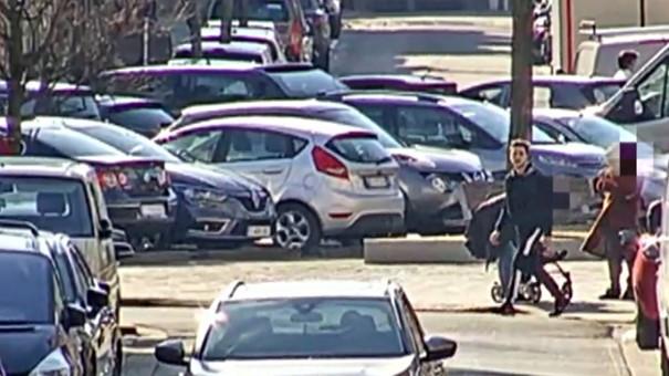 De politie in Antwerpen is op zoek naar een man die minsten vier brutale handtasdiefstallen heeft gepleegd.