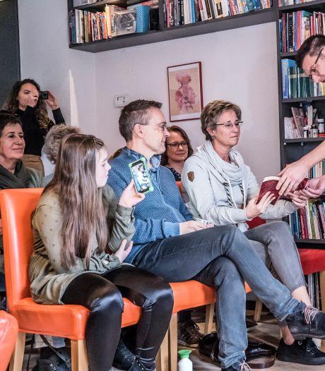 Gluren bij de Buren zoekt Zoetermeerse huiskamers om in op te treden