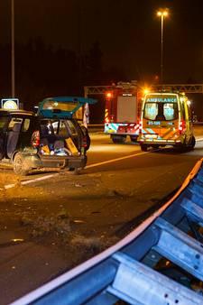 Dronken man zonder rijbewijs raakt vangrail A2 tussen Boxtel en Vught