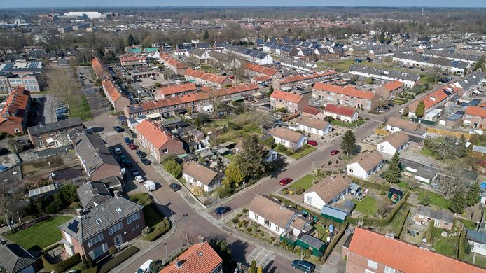 Luchtfoto van de wijk Wit Korea in Uden die Area voor een groot deel wil slopen. Dat plan blijft, ondanks veel bezwaren van bewoners.