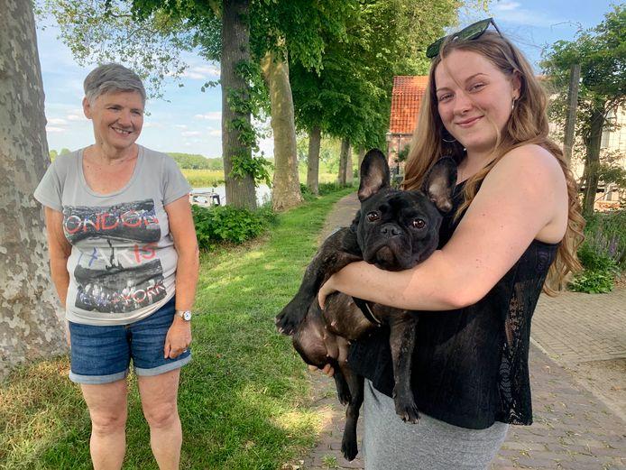 Jannie Slootmaaker (64) met haar nieuwe plaatsgenote Karolina.
