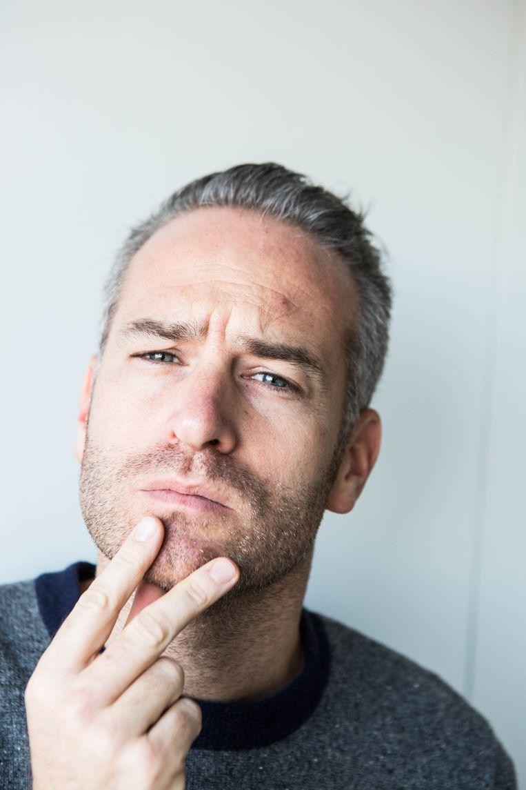 StuBru-presentator Stijn Van de Voorde  loopt elke week voor de muziek uit. Beeld Thomas Legrève
