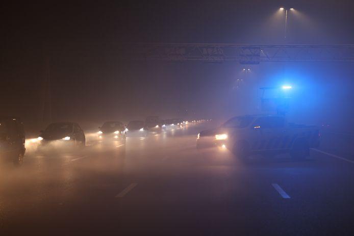 Dichte mist op de A4 in de nieuwjaarsnacht.