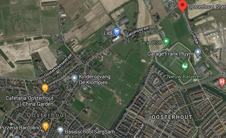 De Stationsstraat in Oosterhout ligt deels in Nijmegen en deels in Overbetuwe. Nijmegen wil er  een woonwagenkamp met 25 plekken aanleggen.