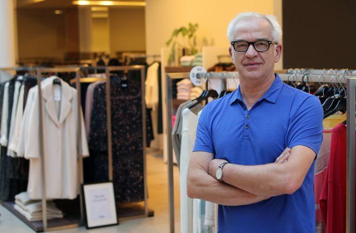 Tony Van Orshaegen, voorzitter bij Handelshart Herentals, blikt tevreden terug op de verkoop van de cheques in 2020