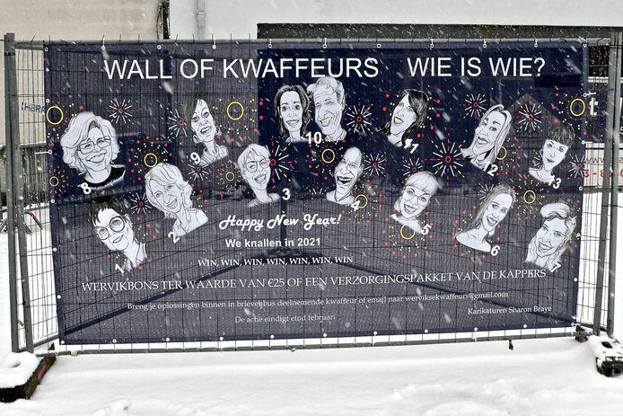 De 'Wall of Kwaffeurs' met karikaturen van 13 Wervikse kappers/kapsters.