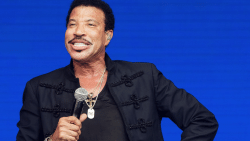 Van priester tot Lionel Messi... wist je deze 10 dingen al over Lionel Richie?