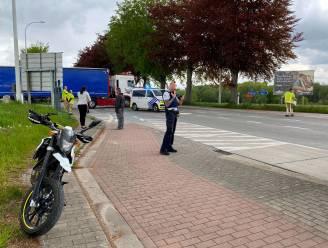 Motorrijder aangereden op kruispunt Hof te Papegem