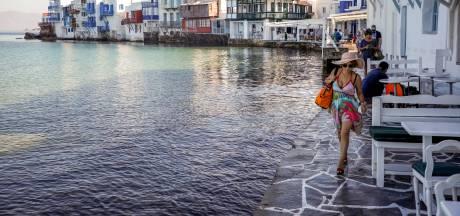 Chaotische taferelen op jetset-eiland Mykonos na explosie van besmettingen