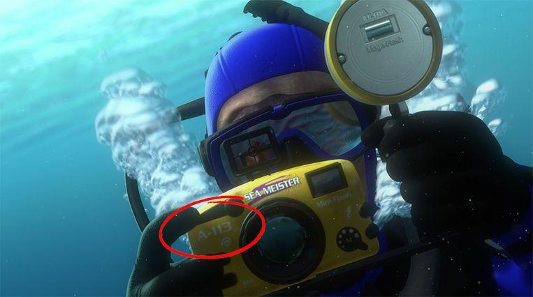 De A113-referentie zit in elke Pixar-film, hier op een fototoestel in 'Finding Nemo'. Beeld Disney/Pixar