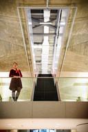 EINDHOVEN - Veronique Marks, directeur huisvesting van de TU/e die vertrekt na negen jaar. Hoogtepunt van haar periode: Atlas, het helemaal gerenoveerde hoofdgebouw is klaar.