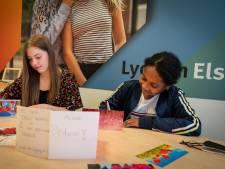 Jada Lynn, Lieve en hun schoolgenoten verrassen ouderen met een kaartje: 'Met zijn allen kunnen we het'
