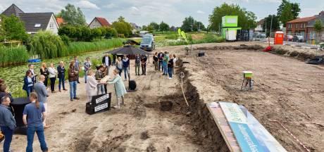 Feestelijk begin van nieuwbouw De Watergaard in Zevenbergschen Hoek
