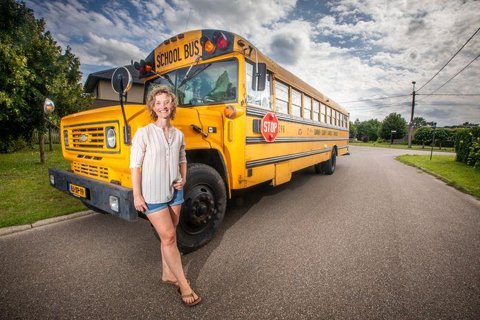 Christel Ramaekers woont in een Amerikaanse schoolbus.