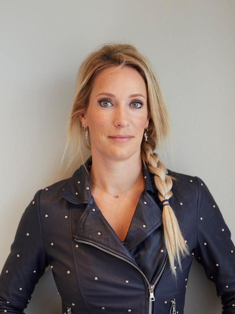 Hélène Hendriks: 'Op sociale media wordt nog wel eens gezegd dat ik achter het aanrecht hoor. Ach, het interesseert me echt niet' Beeld Maxime Cardol