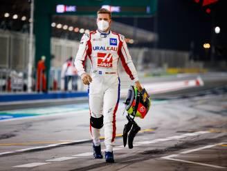 Mick Schumacher laatste bij debuut, maar doet meteen beter dan vader - Comeback in mineur voor Alonso