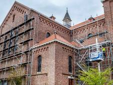 Cosmas- en Damianuskerk in de steigers: asbest weg, nieuwe kilkepers en goten