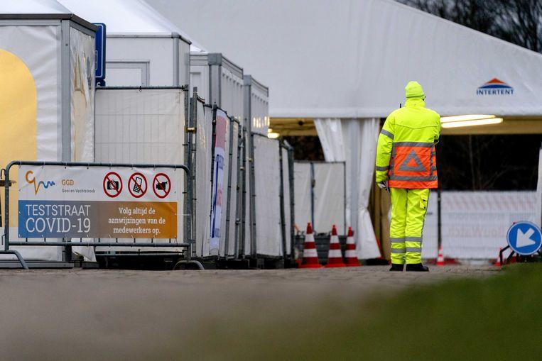 RIVM meldt 4385 nieuwe besmettingen, boven weekgemiddelde - Parool.nl