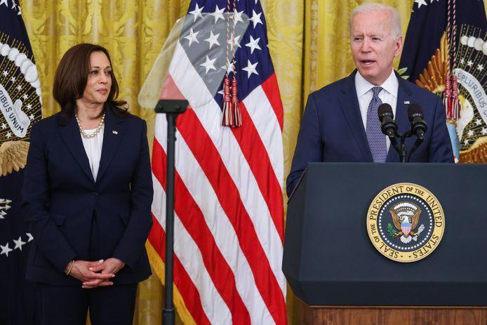 Amerikaans president Joe Biden en vicepresident Kamala Harris vragen dat zo veel mogelijk nog niet gevaccineerde Amerikanen zich nog laten inenten.