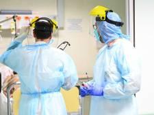 Le nombre de morts toujours en nette baisse, les contaminations et hospitalisations en hausse