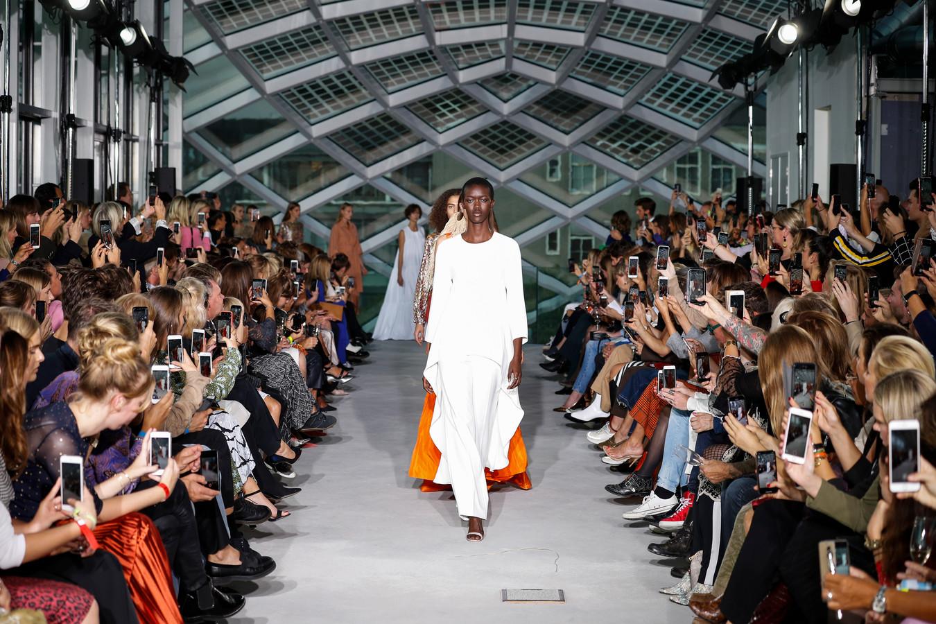 Modeshow van Natan tijdens Amsterdam Fashion Week in september 2019.