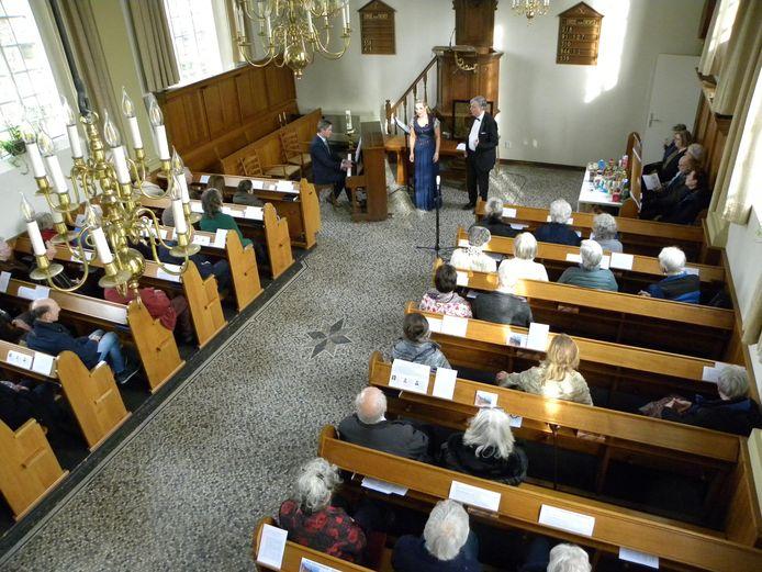 Pianist Joep Meijer, sopraan Nancy Verschuuren en bariton Wil van Leijsen traden op 1 maart als laatste op in het Van Goghkerkje in Zundert