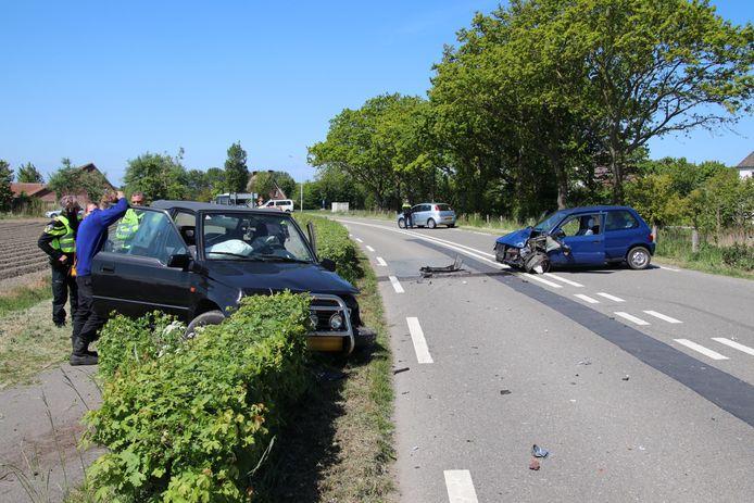 Drie auto's raakten beschadigd bij het ongeval.