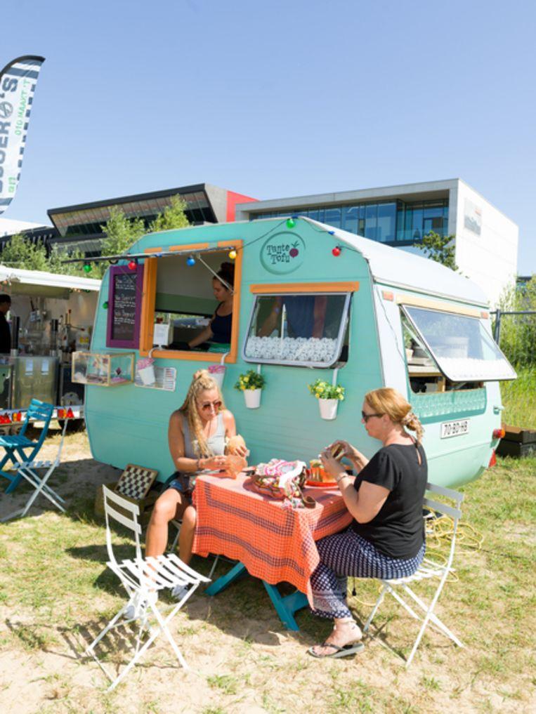 Bezoekers op het Vegan food festival in Amsterdam. Beeld Ivo van der Bent.
