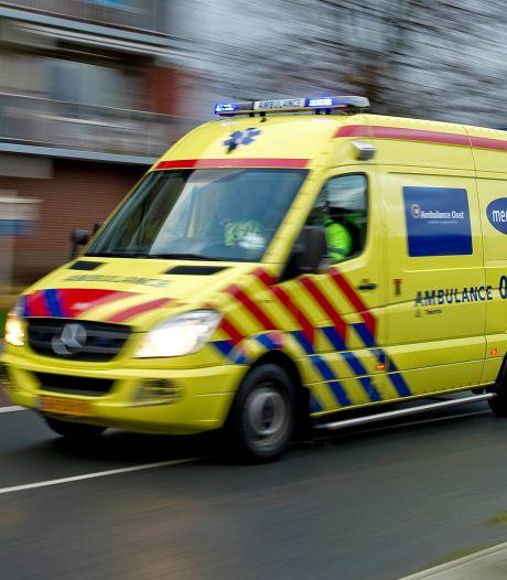 Botsing tussen auto en bestelbus in Schaijk, een bestuurder mogelijk onder invloed van drugs