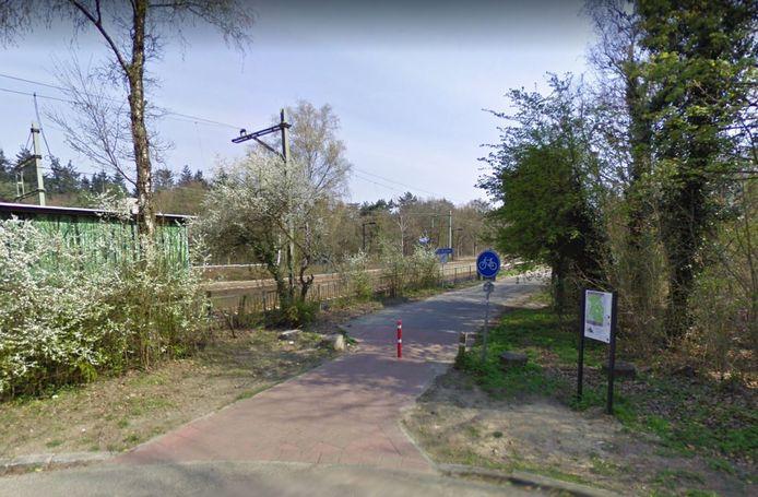Begin van het fietspad in Den Dolder dat naast de Fornheselaan loopt.