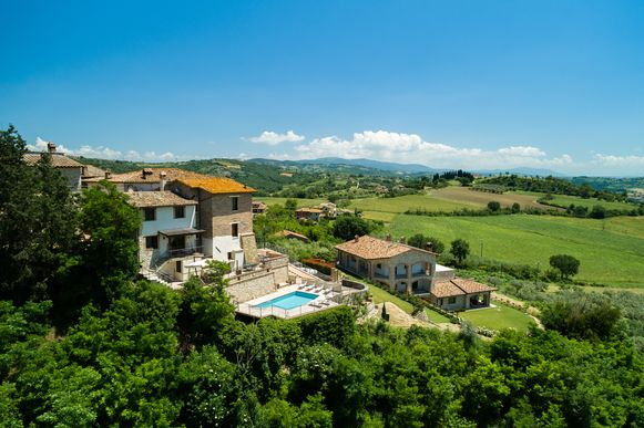 De woning ligt in een piepklein en beschermd dorpje in het Italiaanse Umbrië.