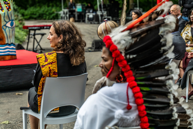 Burgemeester Femke Halsema tijdens Keti Koti in het Oosterpark, vorig jaar. Beeld  Daphne Channa Horn/Getty Images