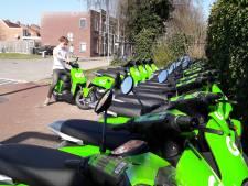 Rijdt heel Almelo straks op de groene deelscooter? Eerste honderd voertuigen in gebruik