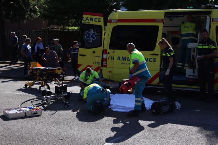 Bij een ongeval op de Genovevalaan in Eindhoven zijn dinsdag iets voor 17 uur 2 gewonden gevallen.