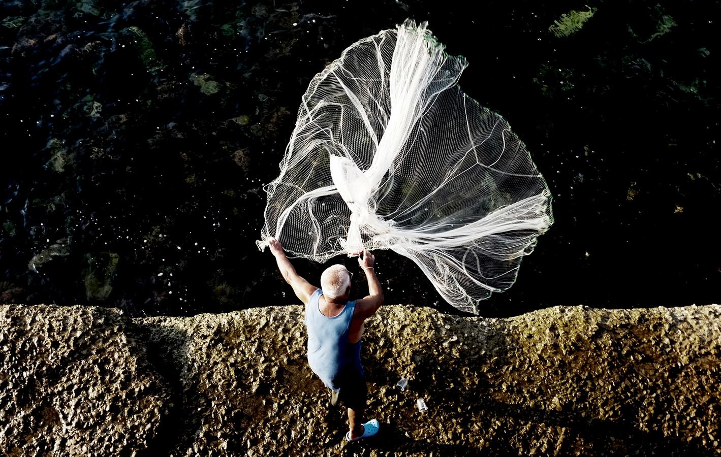 De genomineerde visnetfoto van De Fey.