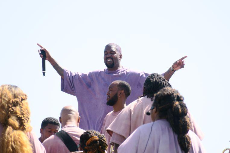 Is everybody happy? Kanye West in ieder geval wel. Beeld Oishi/Splash News / SplashNews.com