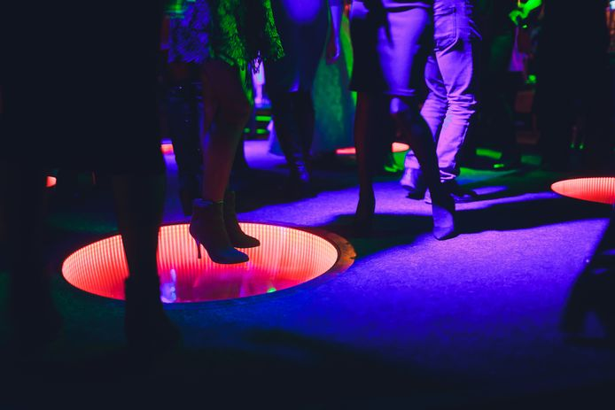 Het danspubliek kijkt uit naar zaterdag, wanneer discotheken en nachtclubs weer open mogen, maar bij The New Break in 't Harde kan voorlopig nog niet worden gedanst.