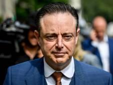 Onbekende mannen vergissen zich van huis en bedreigen buren Antwerps burgemeester Bart De Wever