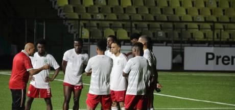 Samenvatting | Suriname verplettert Bermuda en blijft dromen van WK