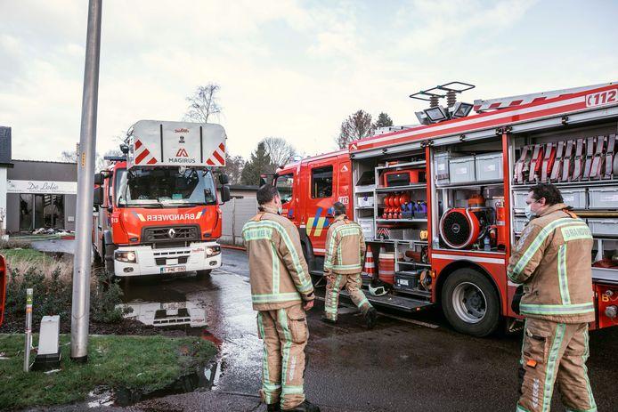 De klus was geklaard in een klein uurtje, waarna de brandweer alweer begon op te ruimen.