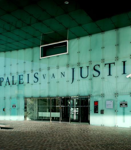 Man krijgt twee jaar cel en tbs voor mishandelen stiefzoon