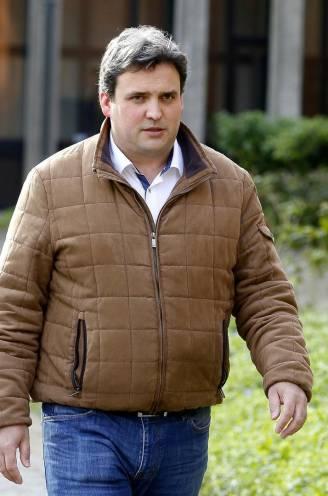 """VRT-journalist en Peter Gyselbrecht krijgen celstraf na uitzending van afgeluisterde telefoontjes uit kasteelmoord: """"Reportage besmeurde reputatie van familie Saelens"""""""