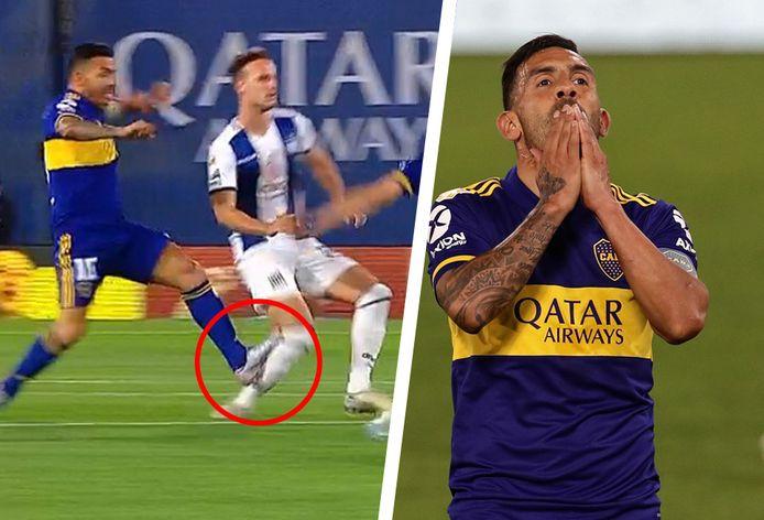 Carlos Tevez begaat een smerige fout.