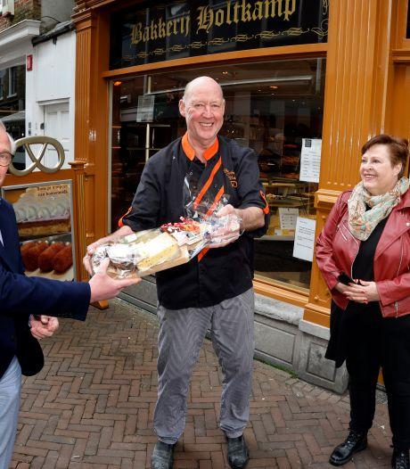 'Mister tompouce' Koos Holtkamp gaat met pensioen: 'Maar ze mogen me altijd bellen'
