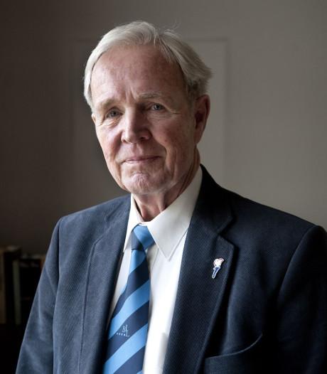 Oud-politicus en schrijver Jan Terlouw spreekt tijdens dodenherdenking Nationaal Monument Kamp Vught