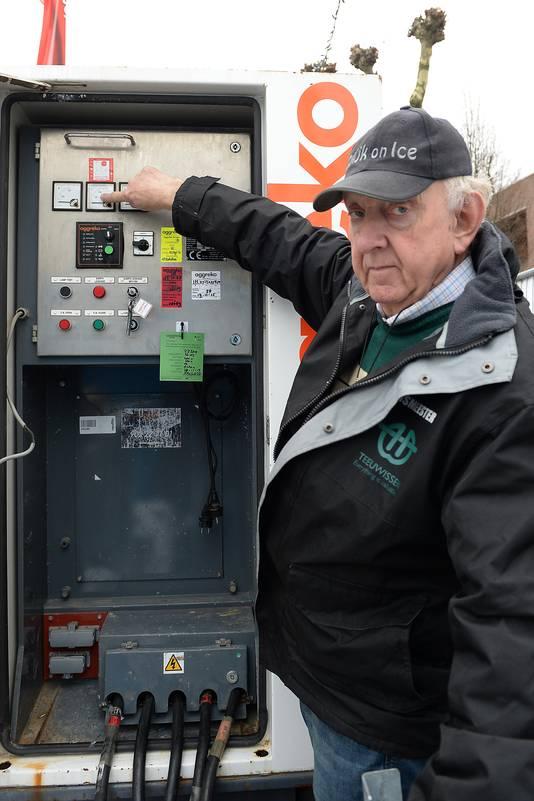 De Cuijkse ijsmeester Frans Bus.