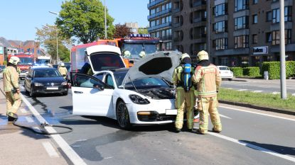 Elektrische wagen botst op voorligger, brandweer komt ter plaatse omwille van rookontwikkeling